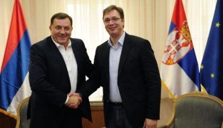 Vučić: Pratimo situaciju u BiH i RS, sa Dodikom po povratku iz Brisela