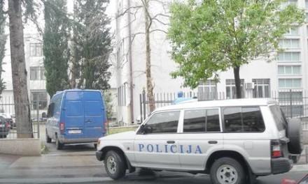OPSADNO STANJE U DANILOVGRADU Policija opkolila hotel i pohapsila članove japanske sekte