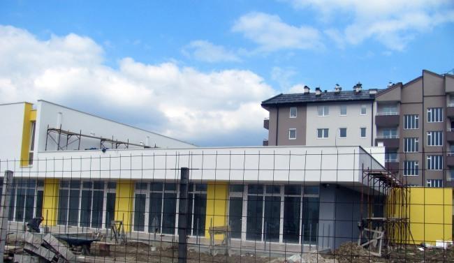 ИСТОЧНО САРАЈЕВО, 17. МАРТА /СРНА/ - Изградња обданишта у Источном Новом Сарајеву биће завршена у наредних двадесетак дана, а планирано је да вртић почне са радом 1. септембра.