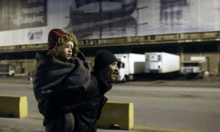 U Grčkoj izbjeglice blokirale autoput