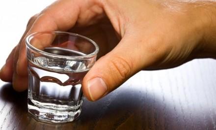 Pet razloga zbog čega je zdravo piti rakiju
