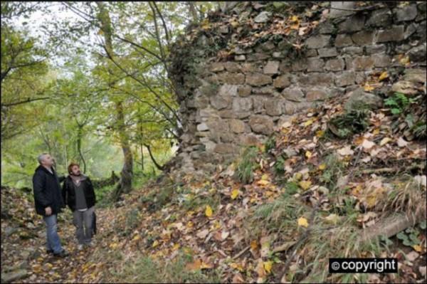 zamak1zid-drevno-srbija-arheologija-600x399
