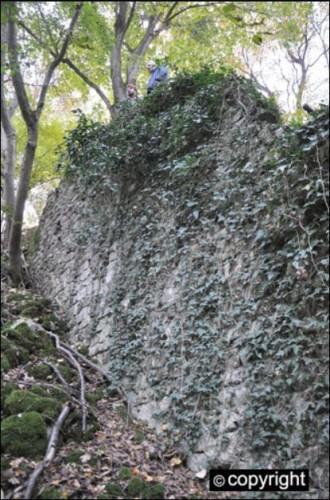 zamak2zid-tvrđava-arheologija-330x500
