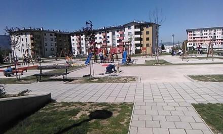 U parku Gavrila Principa na dječijem igralištu postavljena gumena podloga
