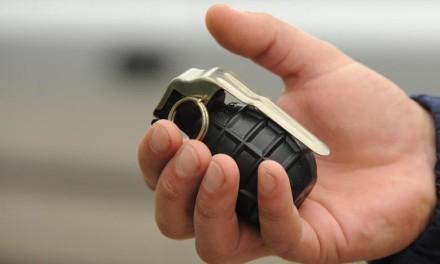 Bačena ručna bomba na kuće u Gacku
