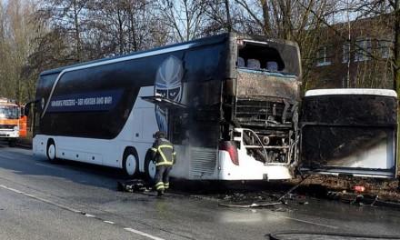 Zapalio se autobus koji je prevozio učenike na eskurziju
