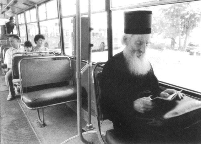 patrijarh-pavle-u-tramvaju