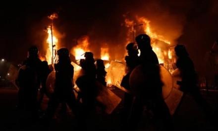 GORI CELA FRANCUSKA: Protesti širom zemlje sve brutalniji! (VIDEO)