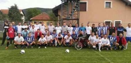 Veterani Famosa i Slavije odigrali prijateljsku utakmicu