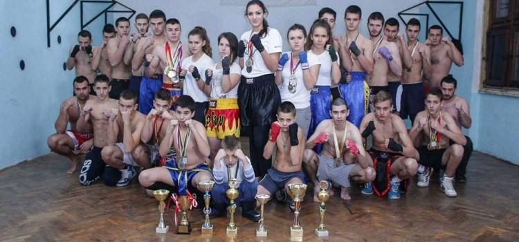 "Kik boks klub ""Kobra"" spektakl u sportskoj dvorani ""Slavija""."
