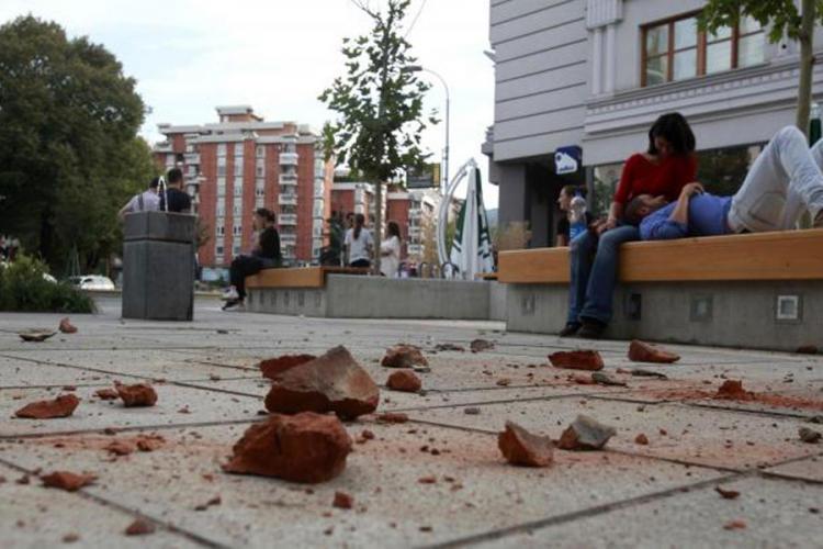 Veći broj osoba lakše povrijeđno u zemljotresu u Skoplju