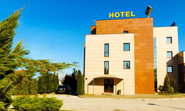 "HOTEL ""M3"""