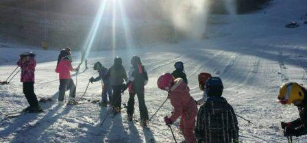 Na Ravnoj planini počelo skijanje