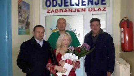 Načelnik opštine uručio poklon za prvorođenu bebu u 2017. godini