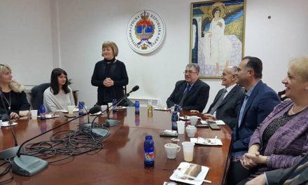 Univerzitet u Istočnom Sarajaveu: Kolektiv Rektorata ispratio u penziju jednu od prvih radnica