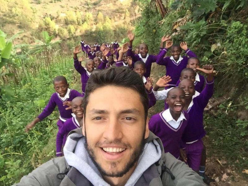 Filip koji živi sa siročićima iz Afrike