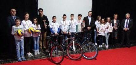"""Učenici OŠ """"Sveti Sava"""" osvojili drugo mjesto na 8. državnom takmičenju """"Misli mine"""" 12. april 2017."""