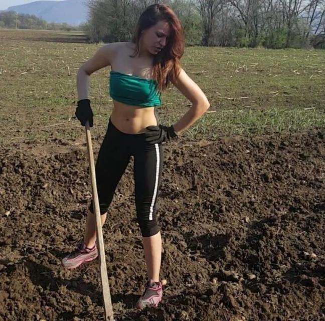 """Jovana Marković iz Srbije """"zapalila"""" internet vježbama"""