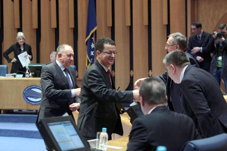 Izborni zakon generiše novu političku krizu