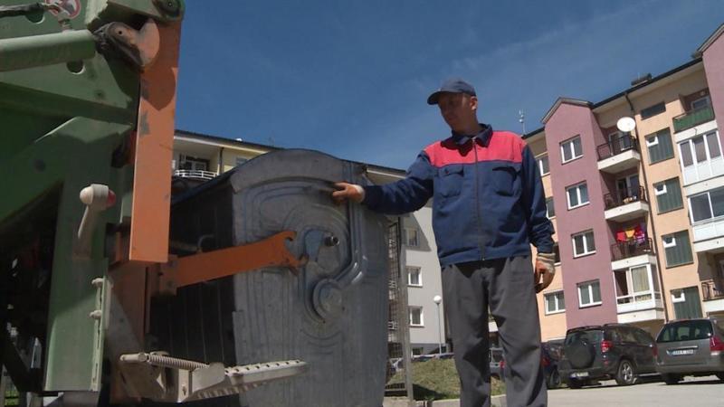 """Održan jednočasovni štrajk upozorenja radnika Komunalnog preduzeća """"Rad"""""""