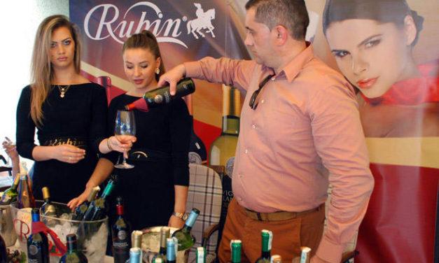 """Održan prvi Međunarodni festival vina i gastronomije """"Kana"""""""