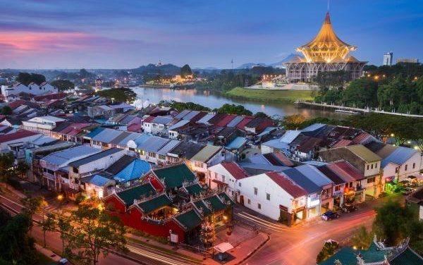 Azijski grad opsjednut mačkama