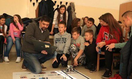 """Osnovci iz Istočne Ilidže u projektu """"Učimo sa robotima"""""""