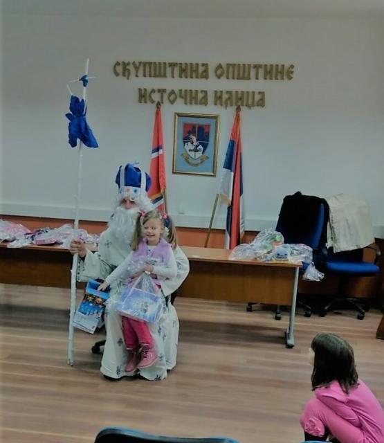 Novogodišnji paketići za mališane opštine Istočna Ilidža