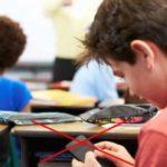 Nova pravila za zloupotrebu telefona u školama