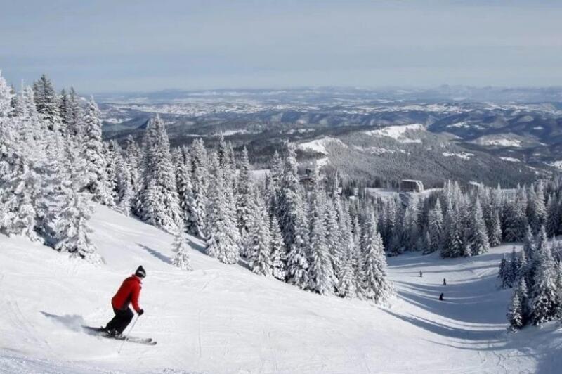 Opština Trnovo finansira putne troškove djeci kroz program besplatnog skijanja